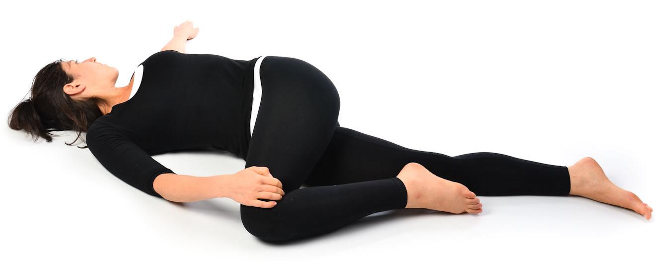 Скручивания лежа на спине